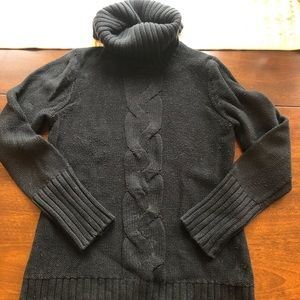 Women's Gap black turtleneck sweater
